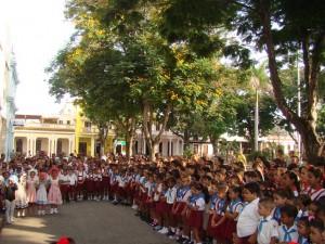 De cumpleaños los pioneros y jóvenes comunistas de Bayamo.