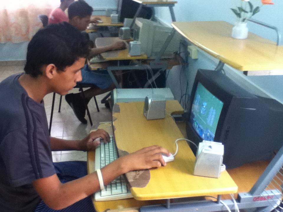 Efectúan Joven Club jiguaniceros Festival de Juegos por el día de los niños.