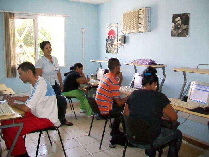 Taller metodológico en Joven Club Cauto Cristo II.