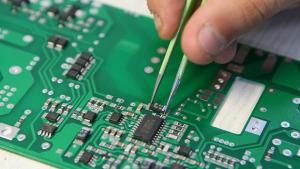 Crean un chip capaz de imitar el funcionamiento del cerebro humano