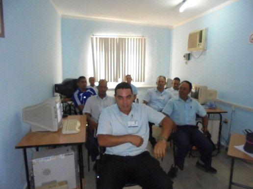 Discuten trabajadores de Joven Club Jiguaní Anteproyecto 2016.