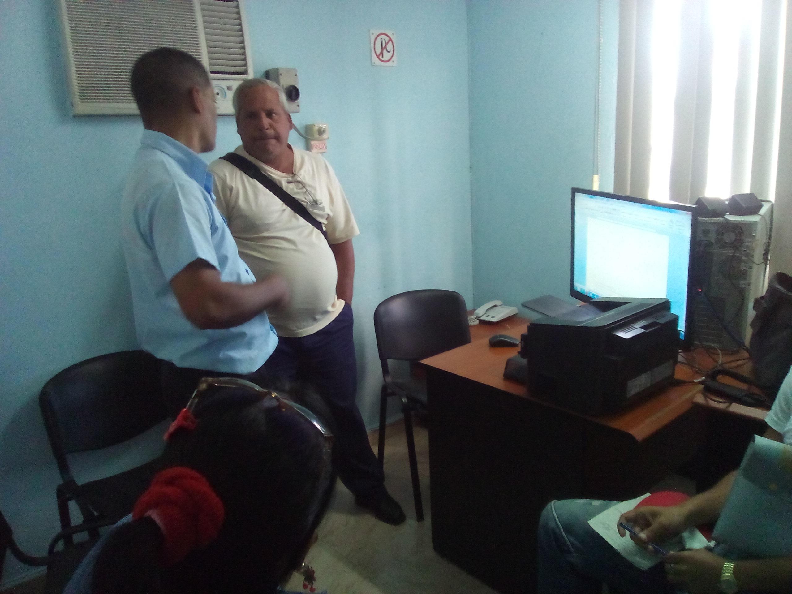 Visitan a Joven Club Miembros del Secretariado Provincial del Sindicato