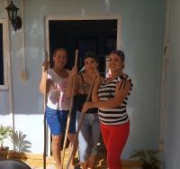 Jornada de limpieza y embellecimiento en el Joven Club Campechuela 1.
