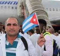 Trabajadores de Joven Club en Campechuela apoyan decisión del gobierno cubano de retirar los médicos del Programa Más Médicos en Brasil.