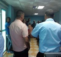 Visitan diplomantes  de la veintiuna  edición de la Administración Pública  a Joven Club  Campechuela 1