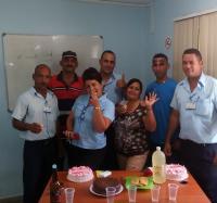 Trabajadores del Joven Club Yara III, realizan actividad por el Día de las Madres.