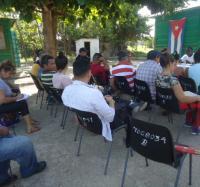 Se reúnen en Manzanillo dirigente de la Asamblea Nacional del Poder Popular.