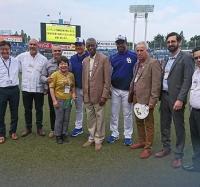 Delegación del INDER intercambia con el presidente del equipo Chunichi Dragons de béisbol de Japón