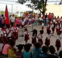 Acto comunitario por el inicio de la  Jornada Camilo-Che y el otorgamiento de la pañoleta azul a los estudiantes del primer grado