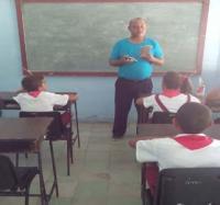 Trabajo con discapacitados en joven club Masó III