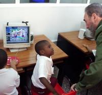 Celebrando el cumpleaño del  Comandante Fidel