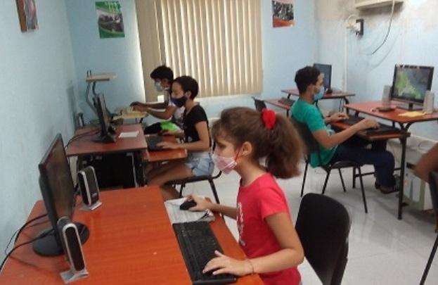 Torneo de Dota en el Joven Club Manzanillo IV