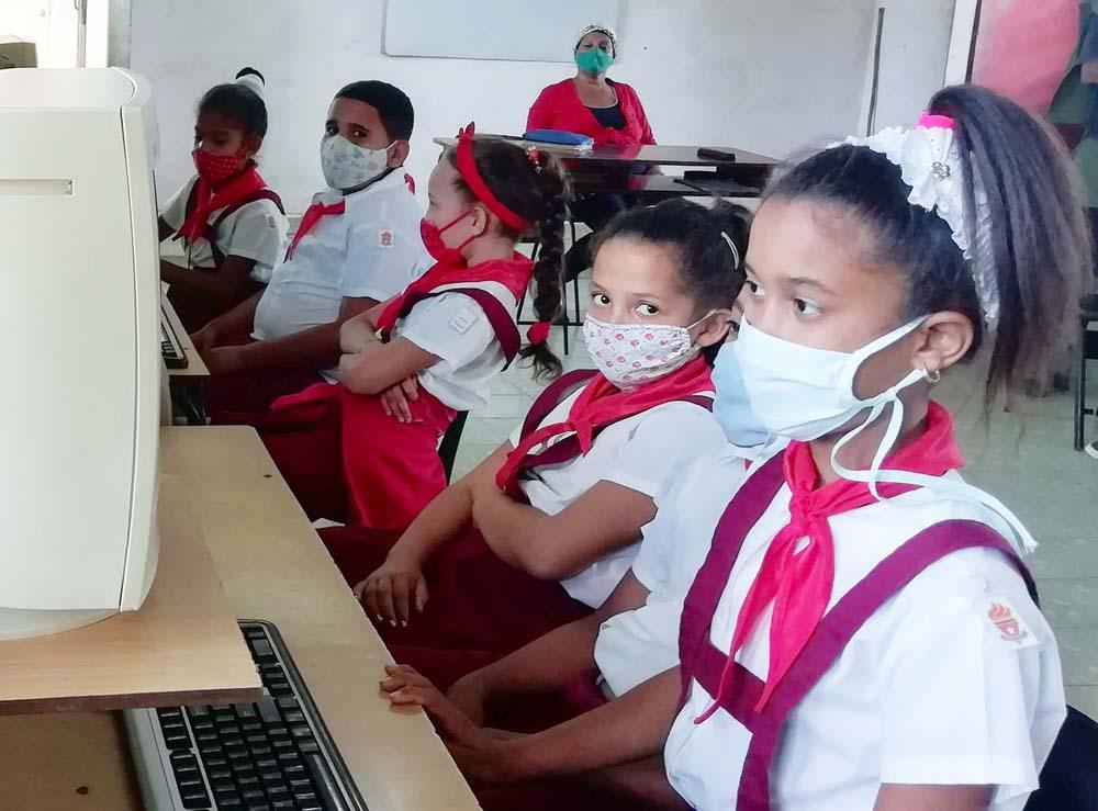 """Joven Club en Bartolomé Masó le dan seguimiento al círculos de interés """"Editando en Microsoft Word"""""""