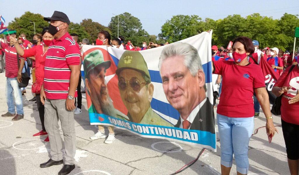 Reafirman trabajadores de los Joven Club en Manzanillo que su Moncada es hoy