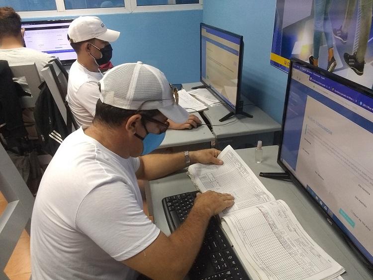 Apoyan los Joven Club de Bayamo y el Palacio de Computación la digitalización de las oficodas en el municipio.